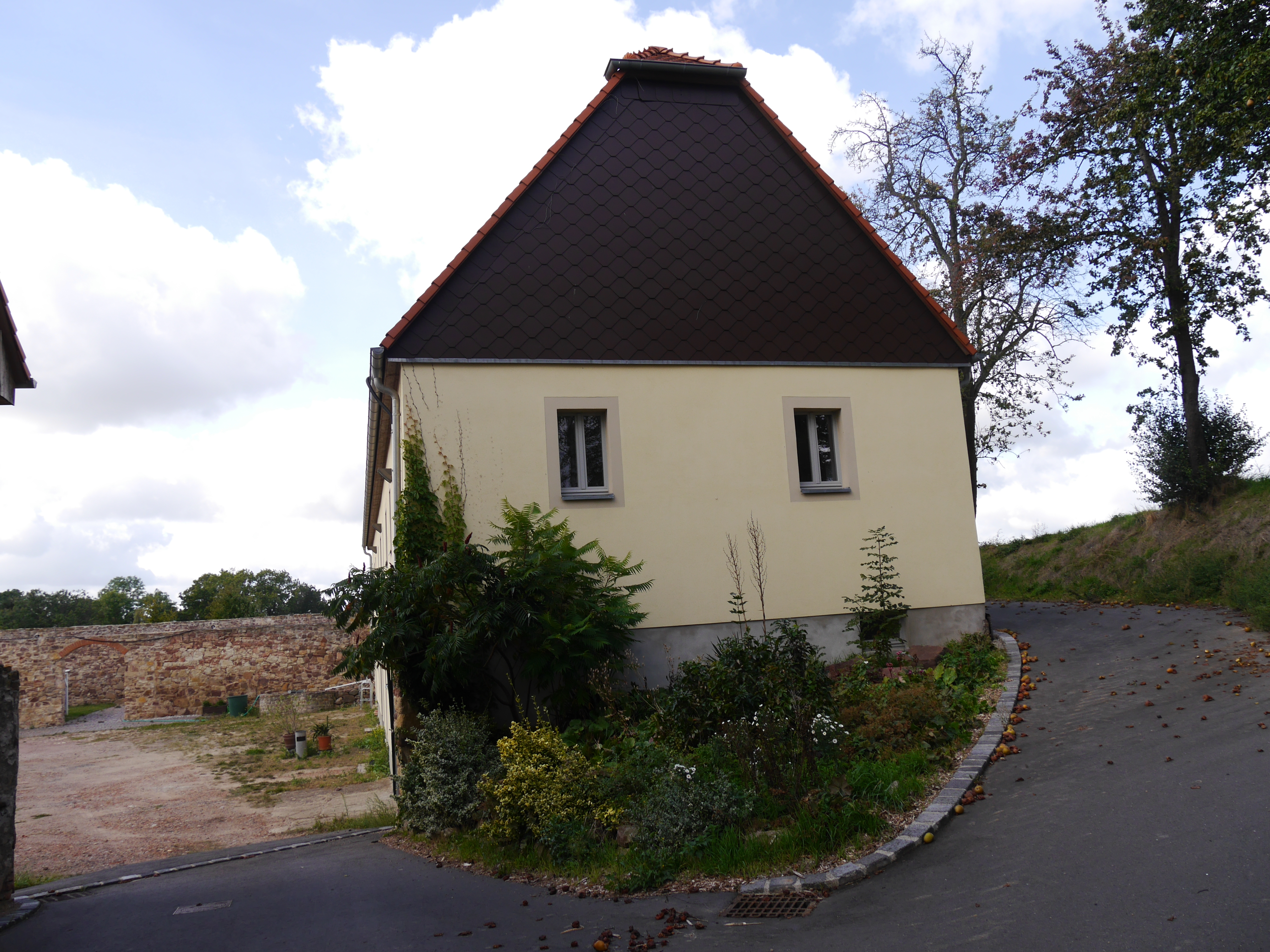 Nebenhaus-1